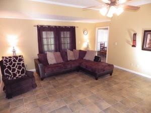 B-Living Room (2)